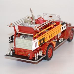 Seagrave firetruck 1931 sound beach autominiature01 com 3 1