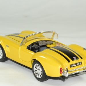 Shelby cobra 427 1965 jaune 1 24 maisto autominiature01 2