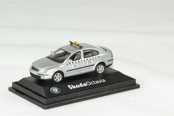 Skoda octavia taxi 1 72 argent abrex autominiature01 1