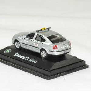 Skoda octavia taxi 1 72 argent abrex autominiature01 2