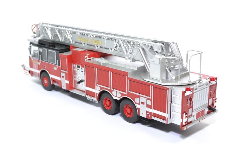 Smeal 105 echelle pompier 2015 ixo 1 43 autominiature01 ixotrf014 2