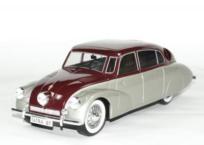Tatra 87 1938 argent rouge