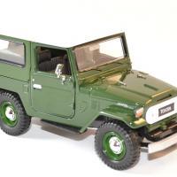 Toyota fj 40 vert 1 24 motor max autominiature01 4