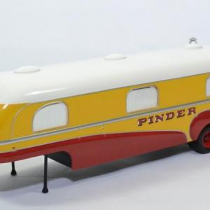 Unic remorque camion caravane Cirque Pinder