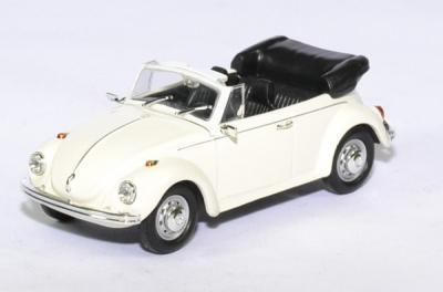 Volkswagen coccinelle cabriolet ouvert 1972 blanche