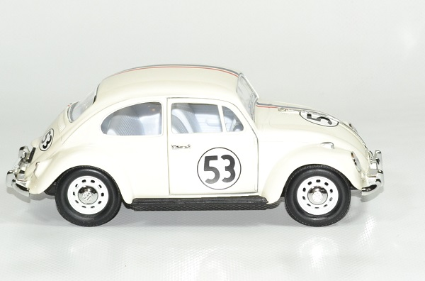 Volkswagen coccinelle choupette 53 1967 lucky 1 24 autominiature01 3