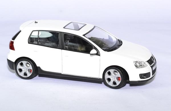 Volkswagen golf 5 gti 1 24 cararama autominiature01 3
