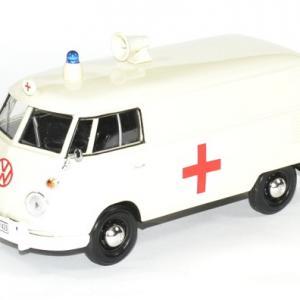 Volkswagen t1 ambulance 1 24 motormax autominiature01 1