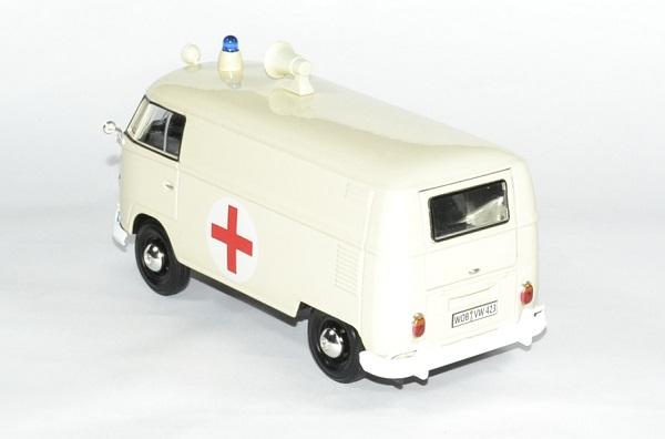 Volkswagen t1 ambulance 1 24 motormax autominiature01 2