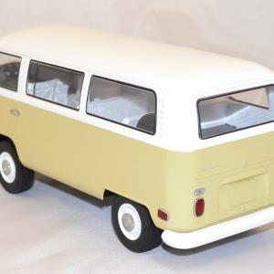 Volkswagen t2b bus 1971 1 18 greenlight autominiature01 com 2
