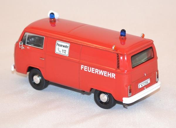 Volkswagen t2b fourgon pompier premium 143 autominiature01 2