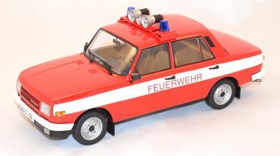 Wartburg 353W Pompiers 1985 504 pièces 1/18 IXO IST IXOISTCCC087