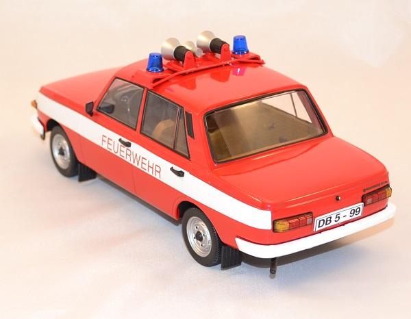 Wartburg 353 w pompiers 1 18 ixo ist autominiature01 com 2