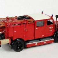 Yatming mercedes benz tlf 15 pompiers schorndorf 1950 autominiature01 com 43013 3